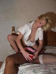 brunette mandy blonde chloe