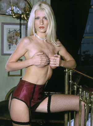 Elegant blonde beauty with lusciously formed body exposing herself passionately. - XXXonXXX - Pic 5