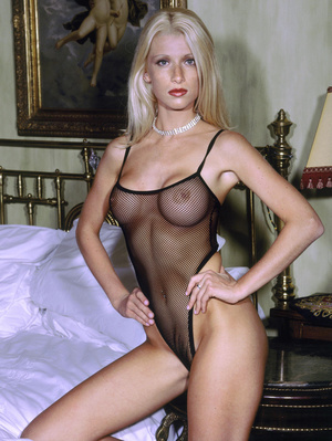 Elegant blonde beauty with lusciously formed body exposing herself passionately. - XXXonXXX - Pic 7