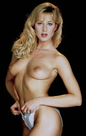 This classy girl loves to expose her lusciously formed body. - XXXonXXX - Pic 2