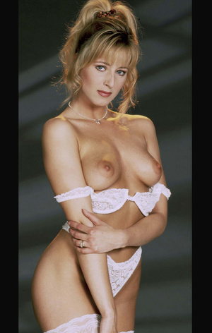 This classy girl loves to expose her lusciously formed body. - XXXonXXX - Pic 4