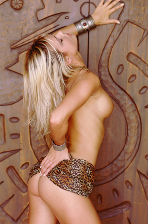 Wild blonde cowgirl with lusciously formed body exposing herself lustfully. - XXXonXXX - Pic 4