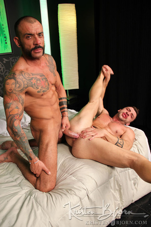 Sexy muscular guys swallowing each others dicks and having anal sex. - XXXonXXX - Pic 25