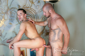 Muscular hot dude swallowing each others dicks and fucking with each other. - XXXonXXX - Pic 14