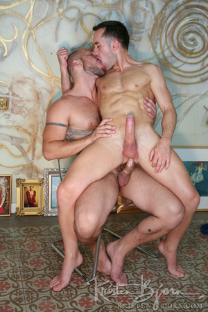 Muscular hot dude swallowing each others dicks and fucking with each other. - XXXonXXX - Pic 25