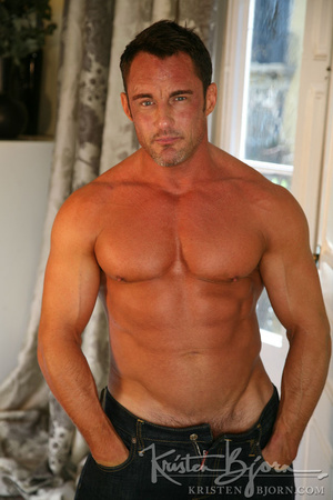 Sexy muscular dudes with stunningly formed bodies fucking with each other. - XXXonXXX - Pic 3