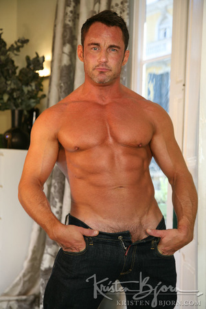 Sexy muscular dudes with stunningly formed bodies fucking with each other. - XXXonXXX - Pic 4