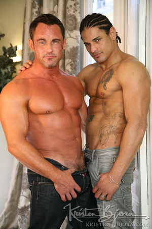 Sexy muscular dudes with stunningly formed bodies fucking with each other. - XXXonXXX - Pic 7