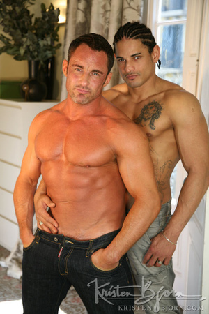 Sexy muscular dudes with stunningly formed bodies fucking with each other. - XXXonXXX - Pic 8