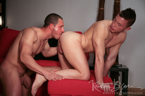 White dudes just love to fuck with each other lustfully. - XXXonXXX - Pic 14