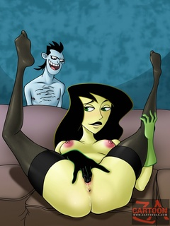Drakken eyes Sexy Shego fingering her pussy - Cartoon Sex - Picture 1