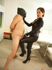 Masked naked dude getting humiliated and jeered by - XXXonXXX - Pic 7