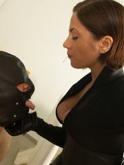 Masked naked dude getting humiliated and jeered by - XXXonXXX - Pic 9