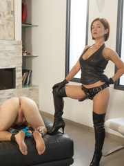 Kinky mom in high boots and corset drills dude's - XXXonXXX - Pic 1