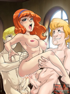 Daphne sucks cock and is fucked by Fred and - Cartoon Sex - Picture 1
