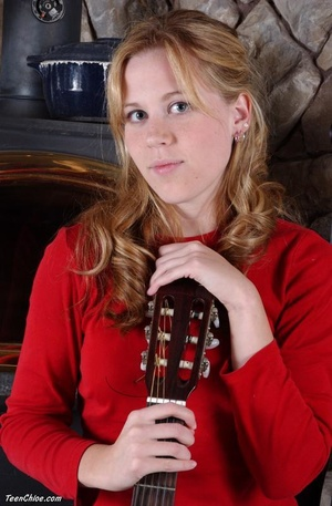 Cute blonde teeny undresses to pose with a guitar - XXXonXXX - Pic 3