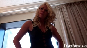 Blonde big breasted sexy milf slut on black langerie mock and tease guys - XXXonXXX - Pic 2