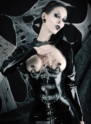 Wild black haired goth beauty exposing themselves passionately. - XXXonXXX - Pic 3