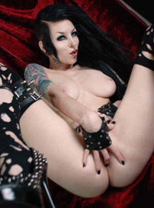 Randy black haired goth sluts exposing their delicious bodies. - XXXonXXX - Pic 3