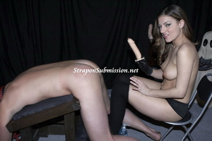 Brunette mom in high boots uses a fucking machine and a strapon to fuck her poor slave - XXXonXXX - Pic 2