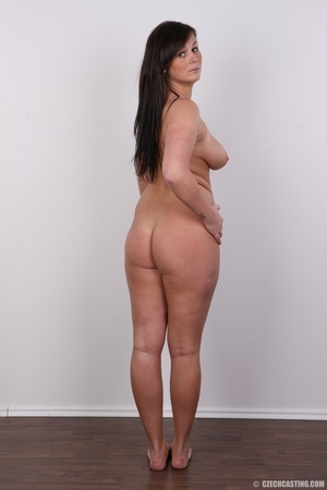 Sexy chubby big tits curvy chick shows b - XXX Dessert - Picture 17