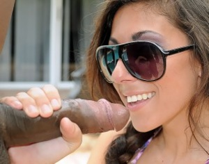 Amazing young slut in sunglasses takes a - XXX Dessert - Picture 1