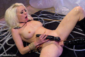 Hot blonde and brunette licking cunts, s - XXX Dessert - Picture 7