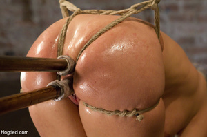 Big tits blonde roped on tits and cunt a - XXX Dessert - Picture 9
