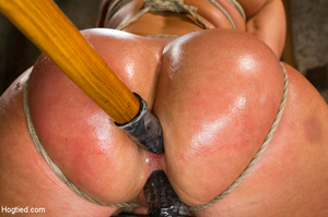 Blonde with big hot tits and butt tied w - XXX Dessert - Picture 13