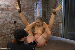 Hot babe yell sweet pain as she is folde - XXX Dessert - Picture 15