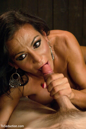 Lusty shemale sucks cock and guy blows h - XXX Dessert - Picture 4