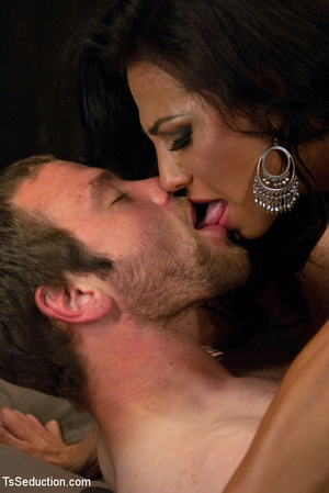 Lusty shemale sucks cock and guy blows h - XXX Dessert - Picture 11