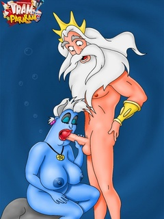 Porn Ursula from Little Mermaid gives head while - Picture 1