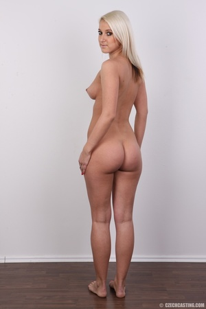 Sweet lusty blonde in hot red bra and bl - XXX Dessert - Picture 17