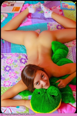 Charming slim teen shows off her hot sexy body and inviting fleshy pussy on bed - XXXonXXX - Pic 11