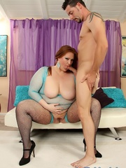 Brunette with fatty folds in fishnets does anal on a - Picture 2