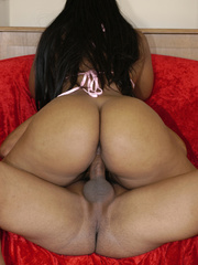 Lexy Cruz stripping poolside and banging on a red couch. - Picture 14