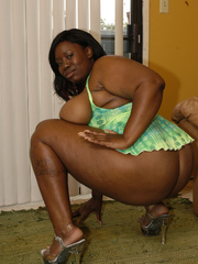 In some spotty lingerie, Tinah Taboo gets tapped and - Picture 7