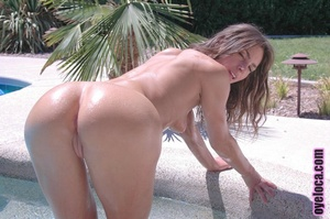 Hypnotised lady striptease around a pool - XXX Dessert - Picture 3