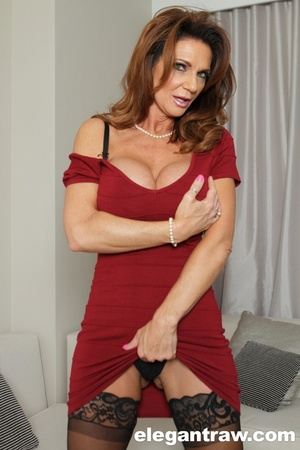 Breathtaking ginger MILF in sexy lingeri - XXX Dessert - Picture 2