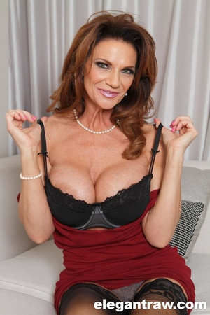 Breathtaking ginger MILF in sexy lingeri - XXX Dessert - Picture 6