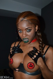 dirty ebony mistress red