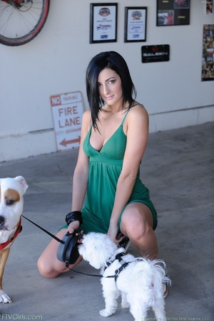 Pornstar Presley Maddox schoolgirl look - XXXonXXX - Pic 1
