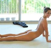 23 yo Eva Lovia glamour model