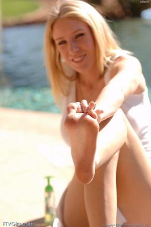Allison Pierce erotica - XXXonXXX - Pic 16