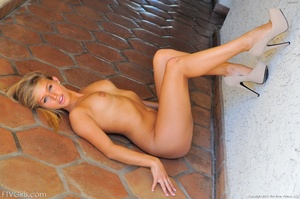 First time Kennedy Leigh public nudity - XXXonXXX - Pic 15