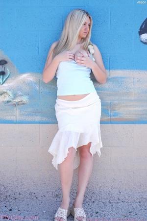 Alison Angel water hose stuffing - XXXonXXX - Pic 8