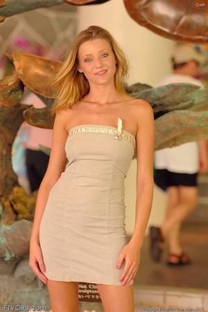 Glamour model Carli Banks milky orgasm - XXXonXXX - Pic 1