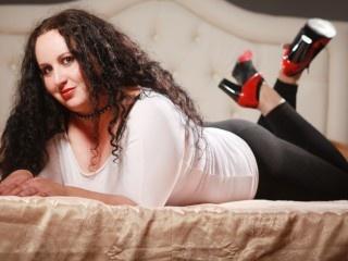brunette helene roleplay