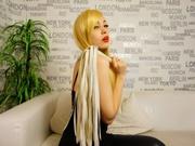blonde bonnie